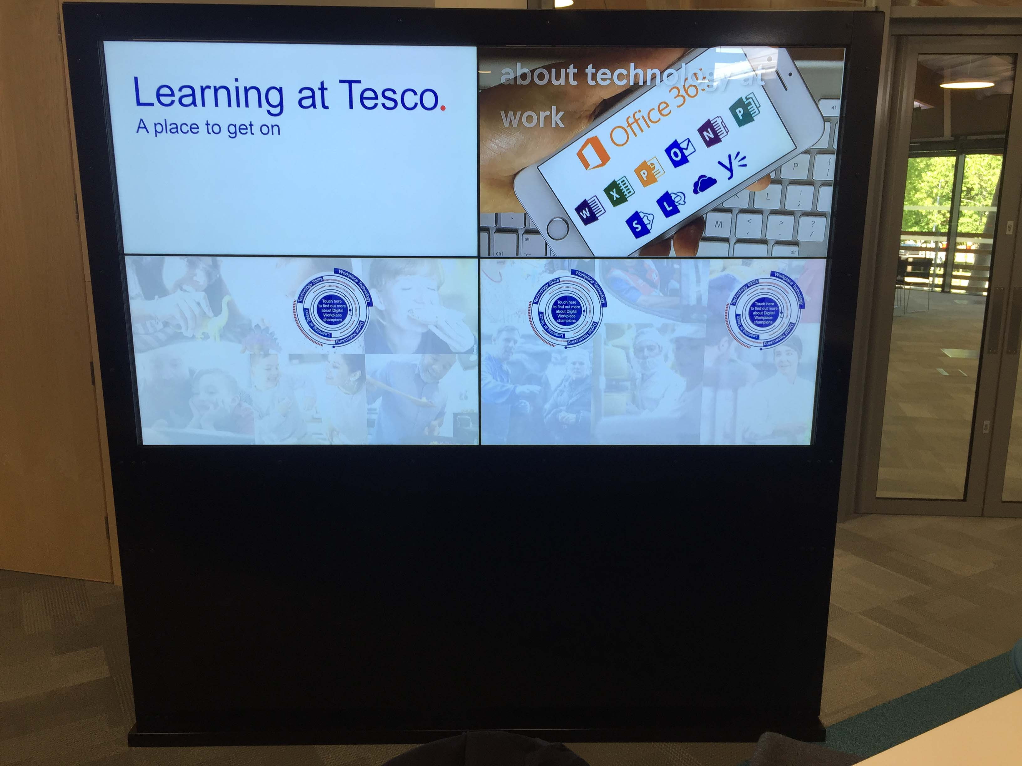 2x2 Free-standing Interactive Video Wall